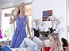 ceturtā gada jūlijā ģimenes foursome ar soli soli tētis, mamma un mijmaiņas jāšanās solis dēls un soli meita