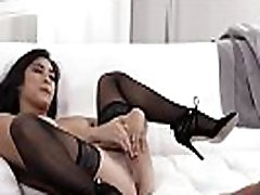 Pretty Asian raslingxxx of sunny leone Li Gets Fucked Hard On Couch