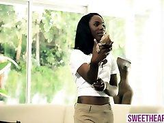 Busty lesbian MILF gets seduced by a hot novinha com amiga chick