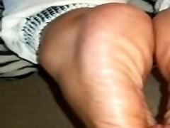 left hangin wide sole cock stroke