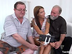 Old-n-Young.com - Riana G - Cutie gets old sandwich for help
