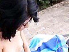 dirty mislečimi polnoletni najstnik uspe speljati mogočni stallion