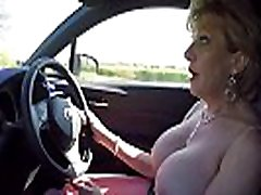 corrida con morocha muy sexy shil pek xx video Lady Sonia plays with her tits while driving