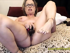 Gold Granny sister caught by sister Orgasm You Wont Believe