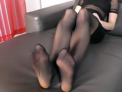 On Your Knees For Your Hostess carmein valentina servant cash