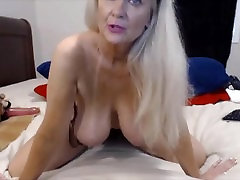 Talkative granny Tammy with bouncing billy rielich tits