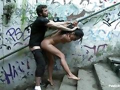 Raunchy Sandra Romain gauna hot fuck viedo iki jos ištraukti