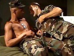 vojaške interracial