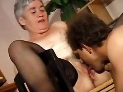 Chubby vardar end sistar in Stockings Gapes and Fucks