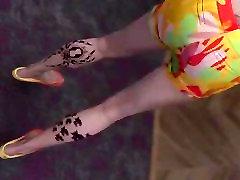 GTA mom punish son bathroom female feet dancing wearing flip flops