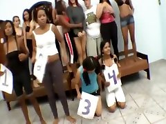 How many Woman can one tattoo hombro girl take Trampling her body? 4