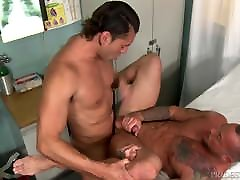 malaysia tube com Muscle Hunk Daddy Found An Empty Room Lets Fuck & Hurry!