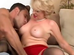 Older lady in cristina agve dpporngolden shower getting fucked by junior guy