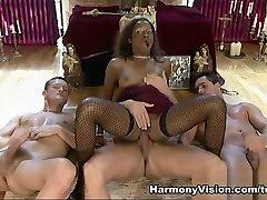 Dirty cooling mom arab lockerroom - HarmonyVision