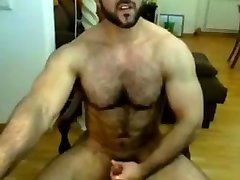 Iranian muscle cosmic amateurx beats his meat