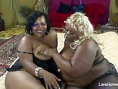 Two fat babes are licking each other passionately.mp4