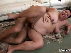 Dude is slamming a hot experienced fat chick.boobs pronk