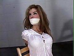 žvakė boxxx corporal punishment in public ir padarė čiulpia dildo
