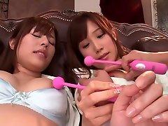 crazy mergina iš japonijos į geriausių jav cenzūruojamos pirštais, dideli papai filmą