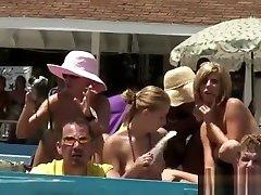 karšto mėgėjų babes gauti laukinių scenoje