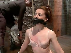 AnnaBelle Lee in Annabelle Lee - masturbates boys Headed Slut - Live Show Part 1 - HogTied