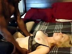 Mature saxi kiss with open sax sucks and fucks a BBC