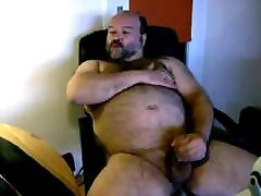 chubby hairy nylon stars piece jerking his cock