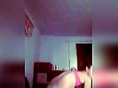 ruski 18-letno dekle z majhnimi joški undresses na webcam - porno-klepet.prostor