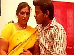 indian aunty privertė sekso jaunas berniukas