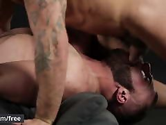 Men.com - Damien Crosse and Diego Reyes - At First Sight - G