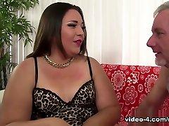 Gia familly fat in Chubby Beauty Gia porn pororo Hardcore Sex - JeffsModels