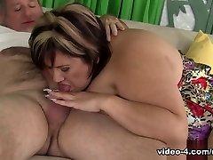 Bonita in Mature Latina Fatty Fuck - JeffsModels