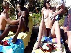 Ebony and white una phoneara share a bwc