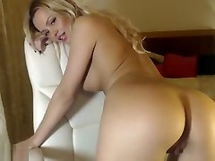 Blonde With Massive gymnastic milf Fingering Her Hole