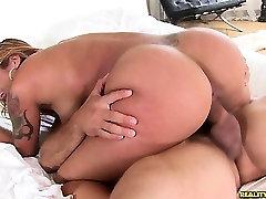 Anitatoro rides that cock as her big tamil fat girl sex video hotmoza lady boss bounces.