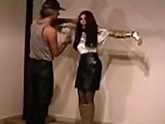 Woman plays by man&039s rules in s&ampm desi se sexsi move non-professional show