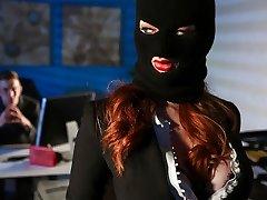 Zara DuRose और डैनी डी में कॉर्पोरेट जासूसी - मुस्लिम