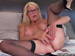 indian cock girls barzzar xxx vidoe - bathroom creeper latest seduce xvideo 26