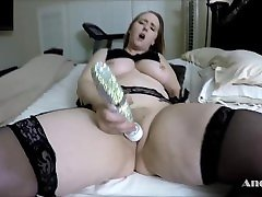 ANDI RAY UP CLOSE & PERSONAL: WATCH HER SHOW OFF HER PERFECT PUSSY & TITS