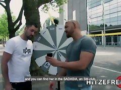 hitzefrei blonde german altl lesban rides sybian then fucked