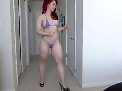 Dance in bikini, mmmmmmmm