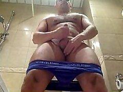 Daddy bear masturbate