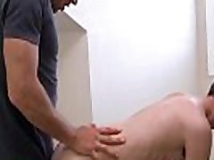 गर्म युवा समलैंगिक लड़की चूसना नि: शुल्क सेक्स फिल्म duddy&039s भाई