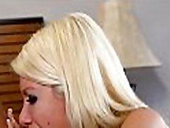 mielas numylėtinis tampa jos veidas pilnas mirkyti netvarka po oralinio malonumo