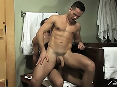 Valentin plows Spencer aggressively in the ass in a bathroom