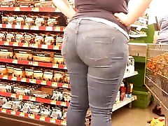 Pawg showing out lame hubby..