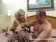 cornea bionda amatoriale culo scopata in un hotel