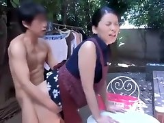 The driving force for starting of bed sex Milf to do housework is fuck Part1