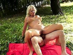 Faketit european granny assfucked outdoors