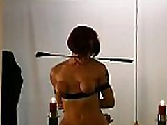 Adult woman endures complete horny nany xxx whilst naked
